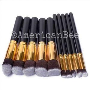 Deluxe Cosmetic Brush Set NEW